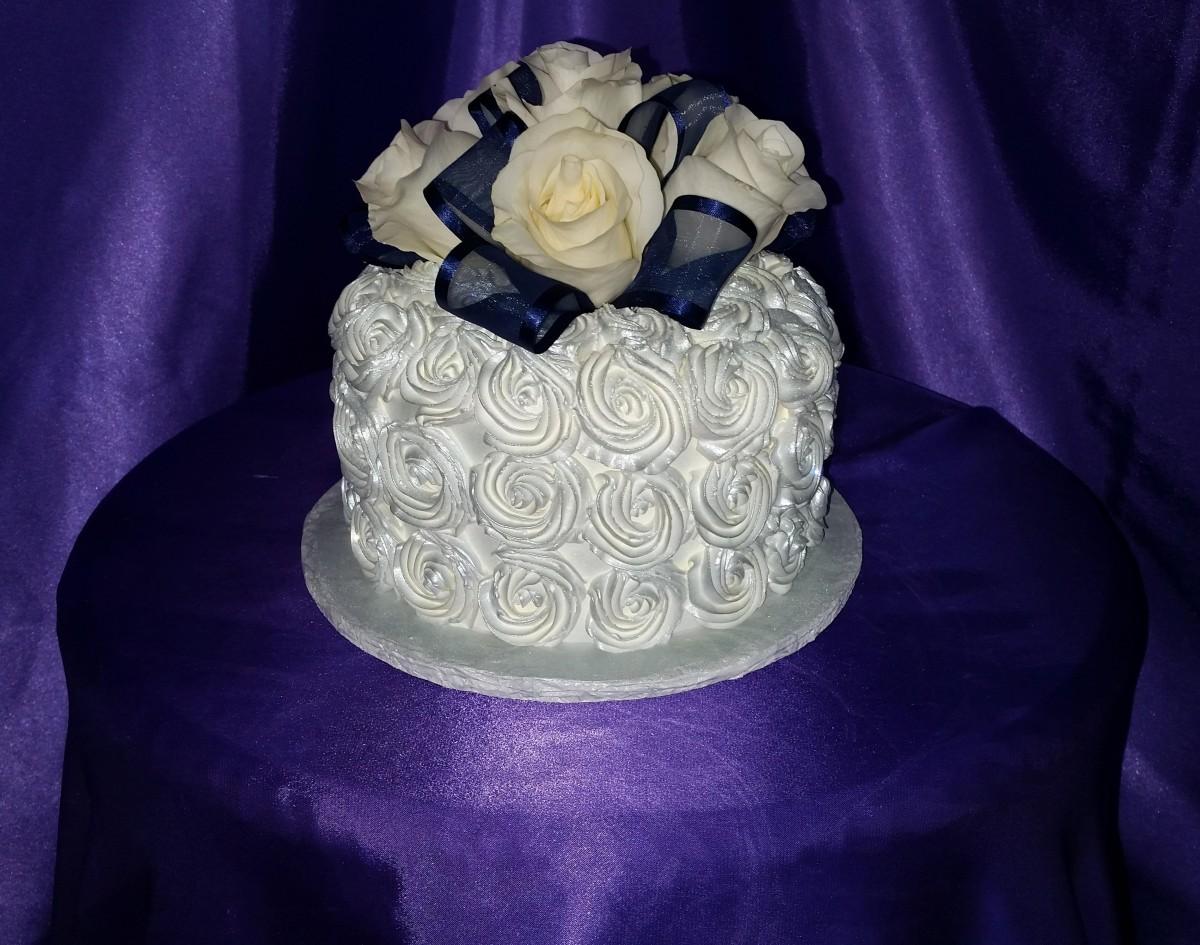 Anniversary Roses Cake