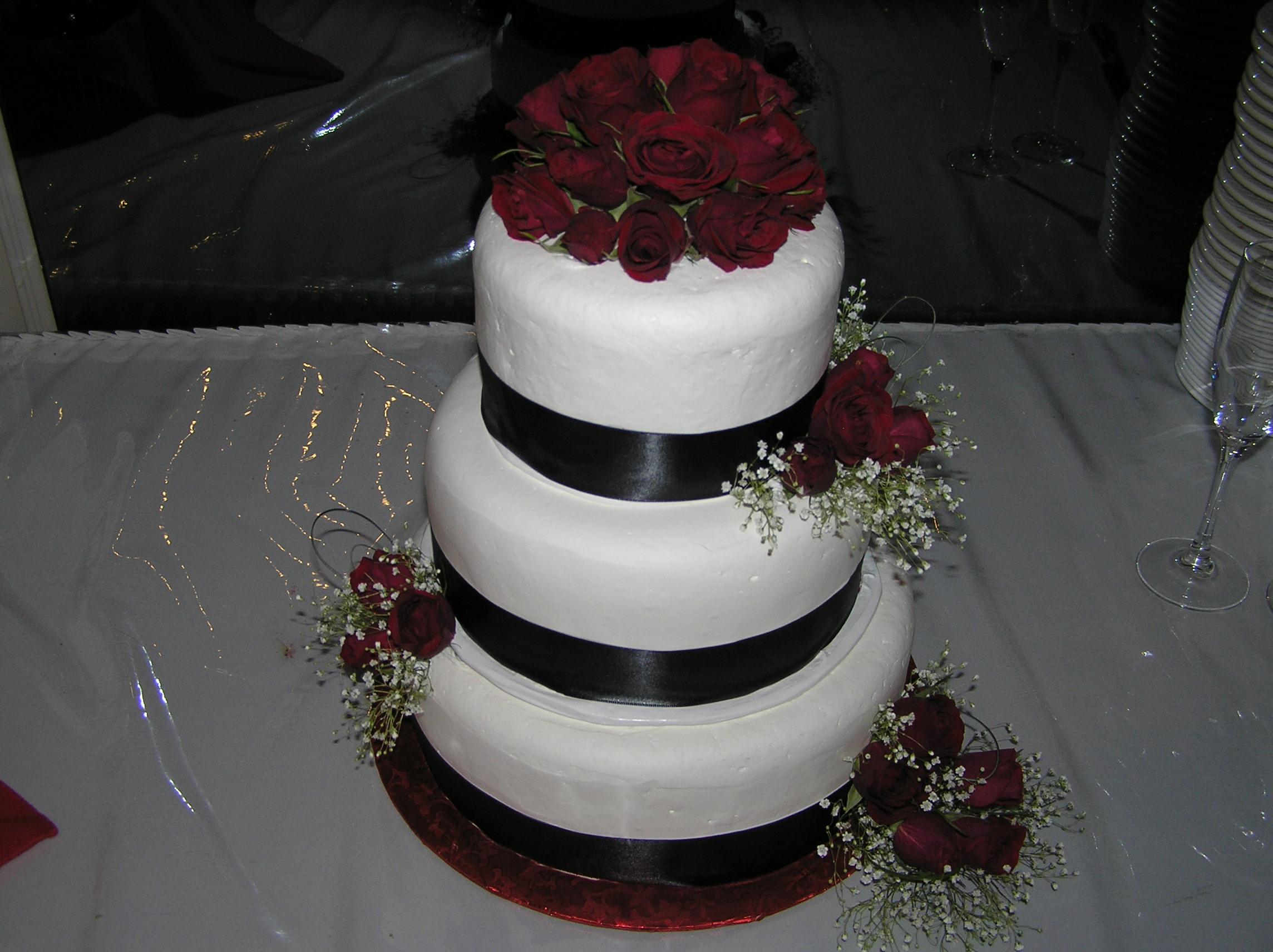 Burgundy Roses Cake