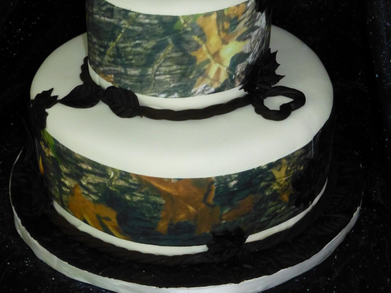 Wedding Cakes Camouflage images