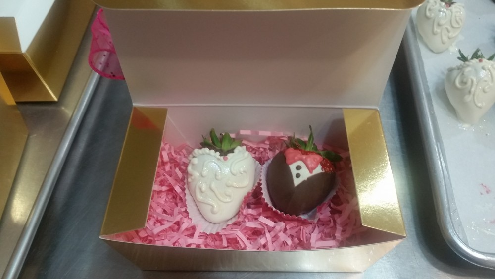 Chocolate Dipped Strawberries Gifts