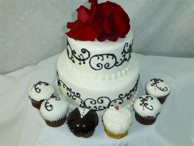 Black Red Wedding Cake
